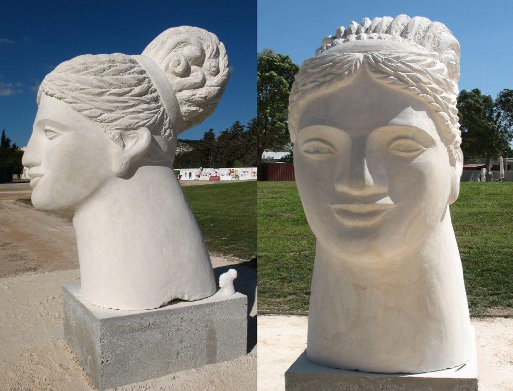 GROSSE KOPF DER APHRODITE, ZYPERN, PAFOS 2017, Kalkstein mit Sockel 250 cm – 2 Ansichten